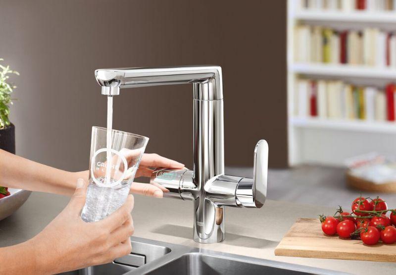 GROHE Blue fait couler l'eau minérale directement du robinet