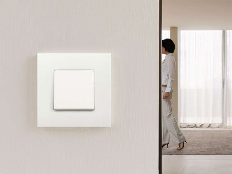 Niko Pure White beloond voor ontwerp en functionaliteit