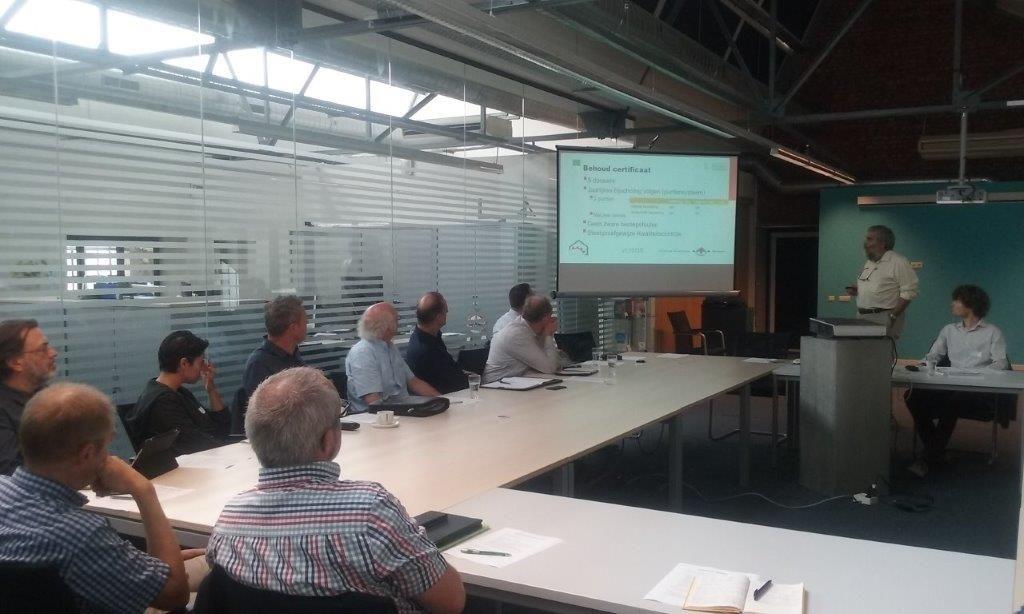 To Simons lichtte de voorwaarden voor het behalen van het NEN 2767-certificaat voor gebouwinspecteurs uitvoerig toe op een netwerknamiddag in het Centrum Duurzaam Bouwen in Heusden-Zolder.