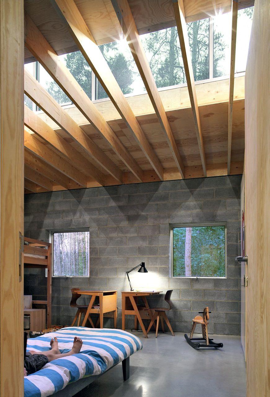 Slaapruimte met dakbox loodrecht op de roostering