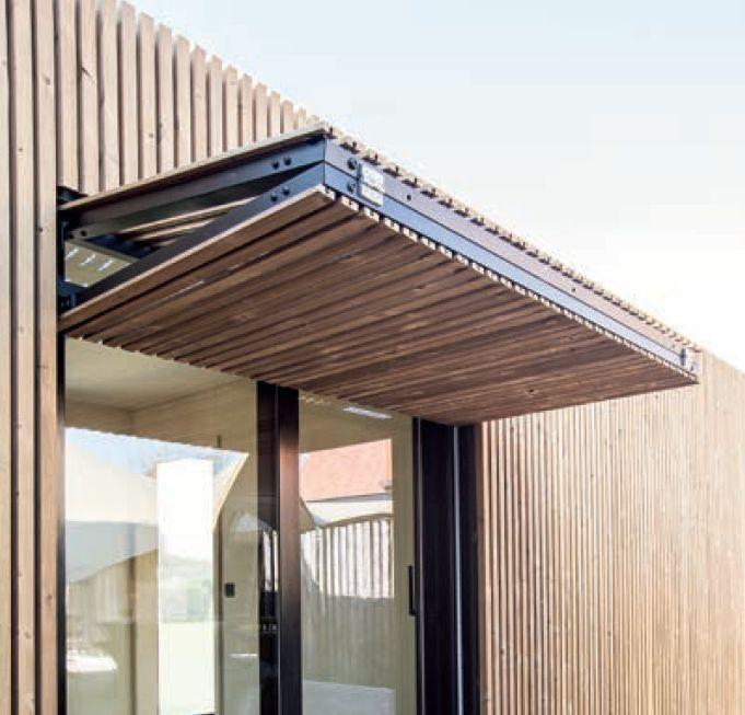Carpentier pakt uit met opwaarts en zijdelings vouwende houten shutters op Architect@Work
