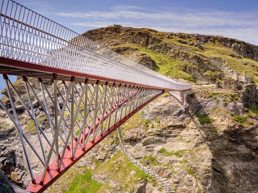 De bruggen en loopbruggen van Laurent Ney