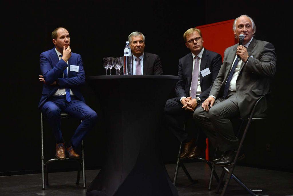 De aanwezigen kregen het project toegelicht van Karel Luyckx (Houben), Leuvens schepen van Ruimtelijke Ordening Carl Devlies, Kristof Vanfleteren (ION) en John Eyers (Jaspers-Eyers Architects).
