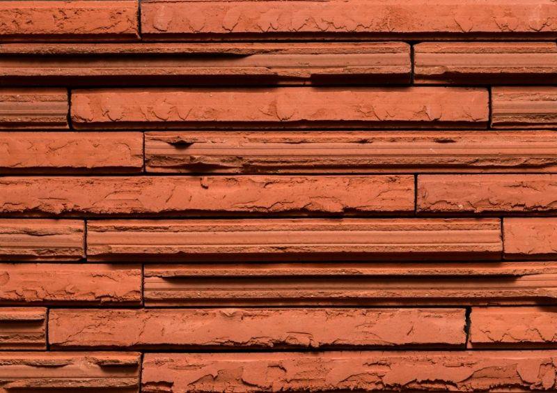 De Cassia, een gevelsteen van bijna 50 centimeter, is ook verkrijgbaar in het rood.