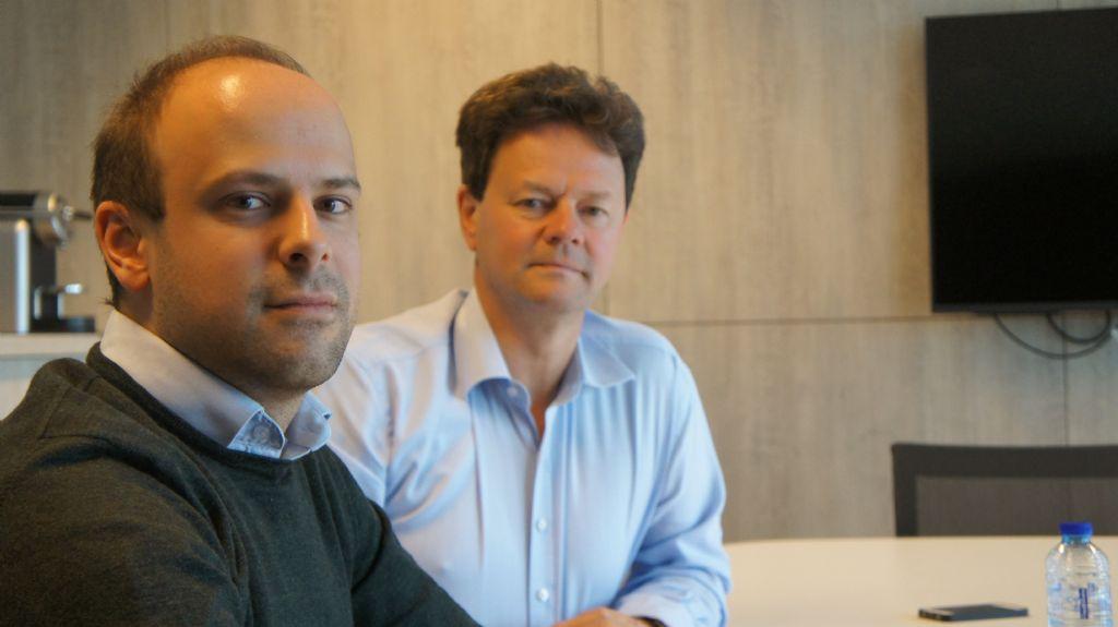 Links: Yen Mertens, diensthoofd van de Design-adeling. Rechts: Bart Van der Wee, manager van het competence center van Scholen van Morgen.