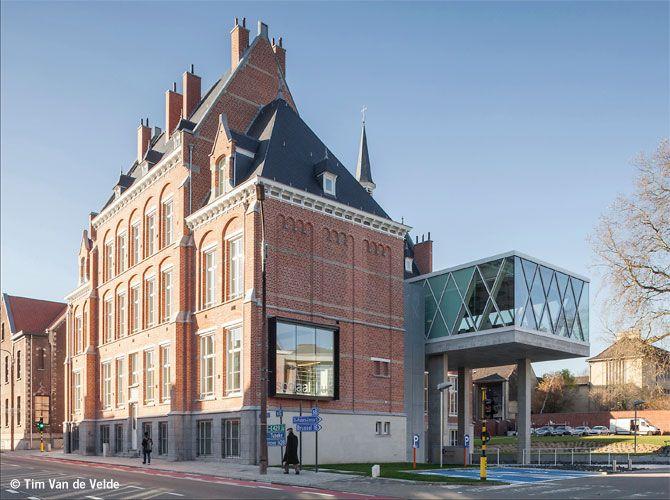 Oud-Wezenhuis herbestemd tot Sociaal Huis (WAW architects)