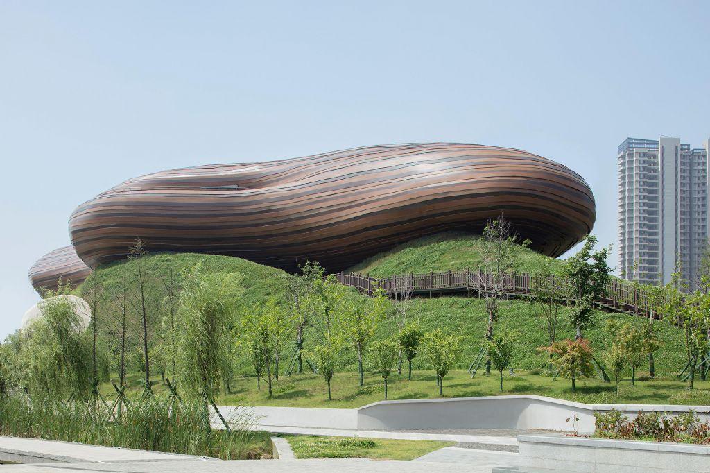 A Liyang, un musée posé comme un coussin sur une colline