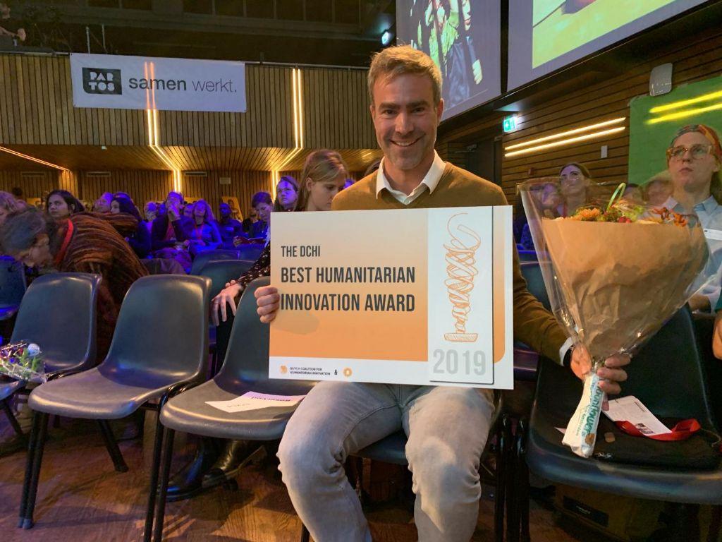 Architect Benjamin Denef nam de prijs in ontvangst.