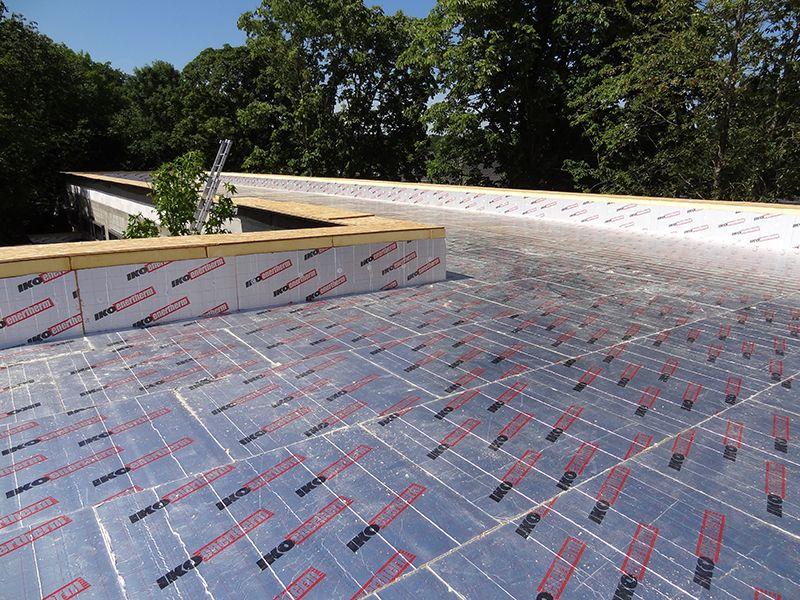 « Une isolation de toiture adaptée et placée dans les règles de l'art est essentielle pour la performance d'un bâtiment »