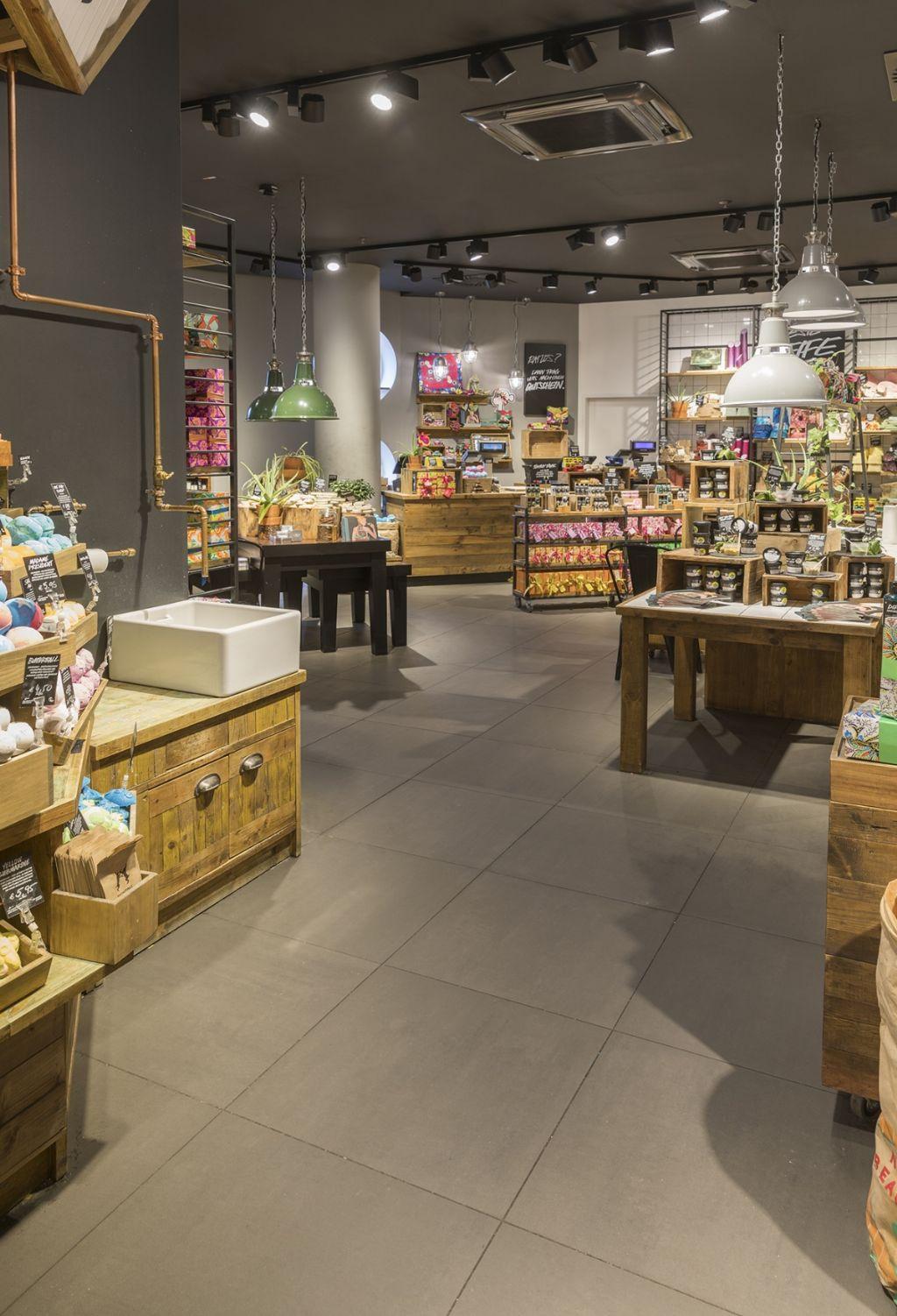 Cosmeticatopper kiest wereldwijd voor keramische Mosa-vloeren