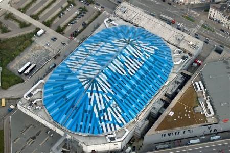 Nieuw dak van Sportpaleis tegelijkertijd groen en blauw