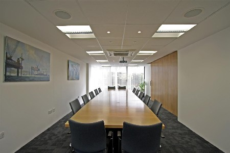 BAM Nutall Ltd. renoveert plafond met Rockfon