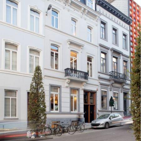 Architectslab verenigt renovatie en nieuwbouw in kantoorgebouw Bond Beter Leefmilieu