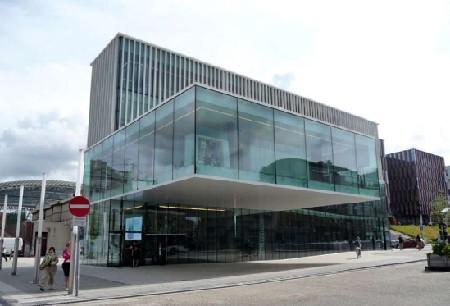 Staalbouwwedstrijd: KBC-kantoor in Leuven door Crepain Binst Architecture