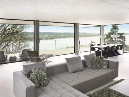 Reynaers présente une fenêtre coulissante au design minimaliste