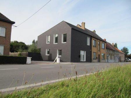 The Black House in Leffinge: ecologisch bewustzijn en architecturale kwaliteit verenigd