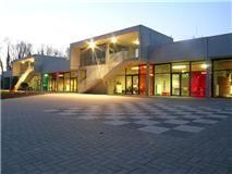Boekfos Asse: een duurzaam jeugdcentrum uit prefab beton