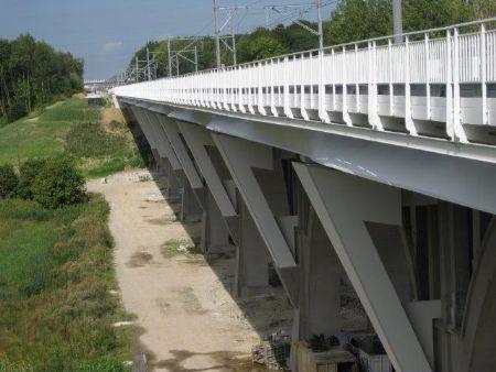 Des éléments en acier comme valeur ajoutée pour l'élargissement du viaduc de la Pède