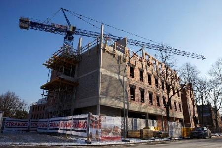 Bouw van woonzorgcentrum De Vierde Wand in Winterslag volop aan de gang