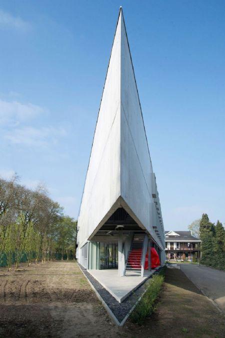 Gebouw I (UA) op Campus Middelheim: bescheiden kunst_2
