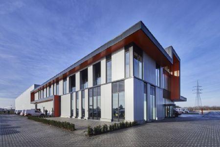 Distributiecentrum met kantoren Horeca Van Zon Lommel_1