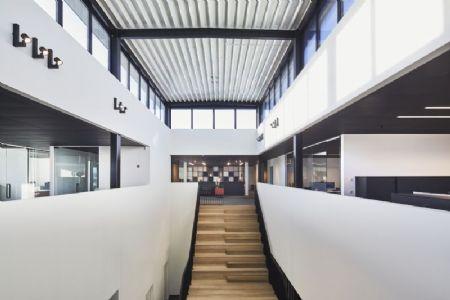 Distributiecentrum met kantoren Horeca Van Zon Lommel_6