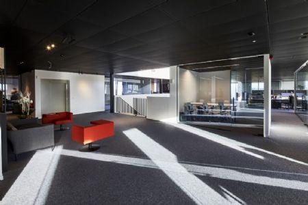 Distributiecentrum met kantoren Horeca Van Zon Lommel_9