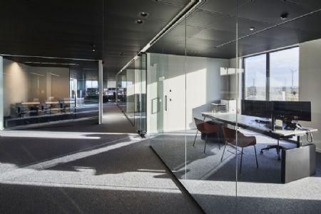 Distributiecentrum met kantoren Horeca Van Zon Lommel_7