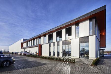 Distributiecentrum met kantoren Horeca Van Zon Lommel_10