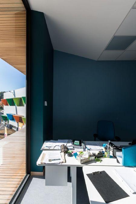 Paint it green. A Limelette, le CoRI s'offre un bâtiment remis à neuf par helium3._4