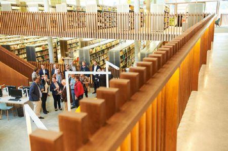 Stadsboulevard met bibliotheek_4