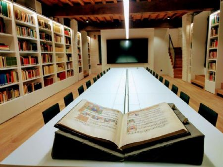 Library of Voices_3