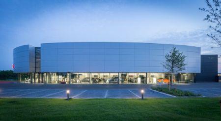 Kronos Porsche Centre_1