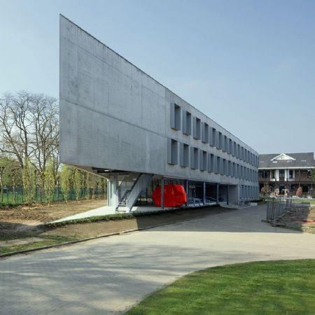 Gebouw I (UA) op Campus Middelheim: bescheiden kunst_1