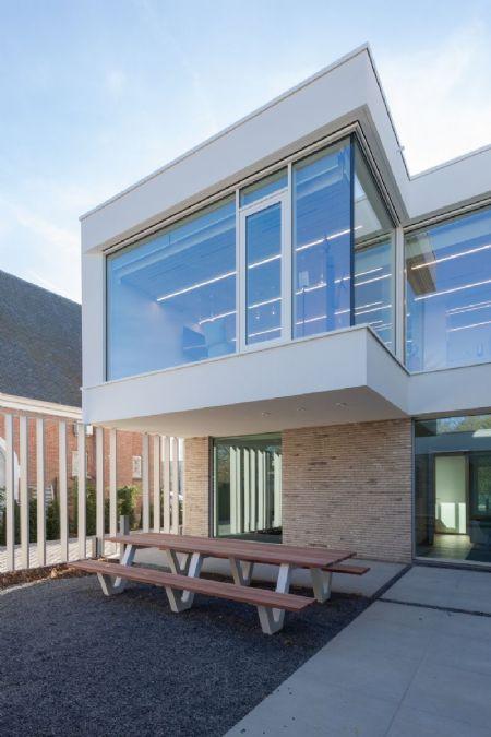 kantoorgebouw Bank J.Van Breda & C° _9