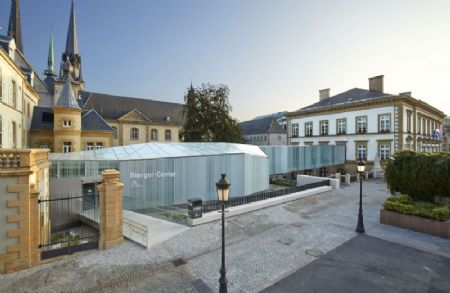Glazen doorgang place Guillaume II Luxemburg_1