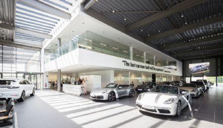 Kronos Porsche Centre_4