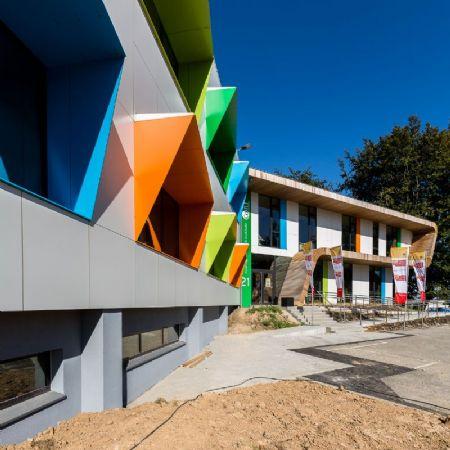 Paint it green. A Limelette, le CoRI s'offre un bâtiment remis à neuf par helium3._6