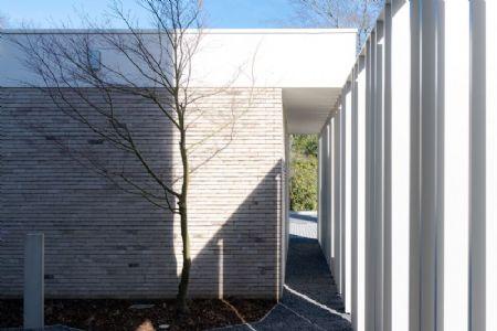 kantoorgebouw Bank J.Van Breda & C° _7
