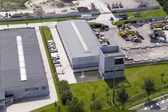 Bedrijfsgebouw van Furnibo in Veurne_1