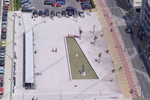 Staf Versluys centrum en duinenplein_3