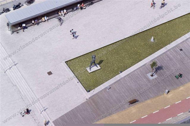 Staf Versluys centrum en duinenplein_5