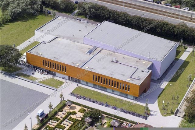 Staf Versluys centrum en duinenplein_6