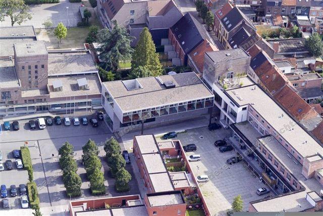 Klimop-gebouw op Stassano-site_2