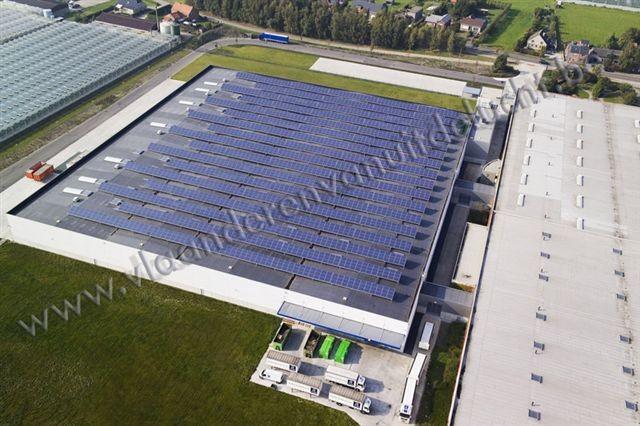 Uitbreiding Reynaers Aluminium met zonnepanelen op het dak_2