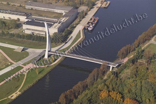 voetgangers- en fietsersbrug over Zuid-Willemsvaart_2