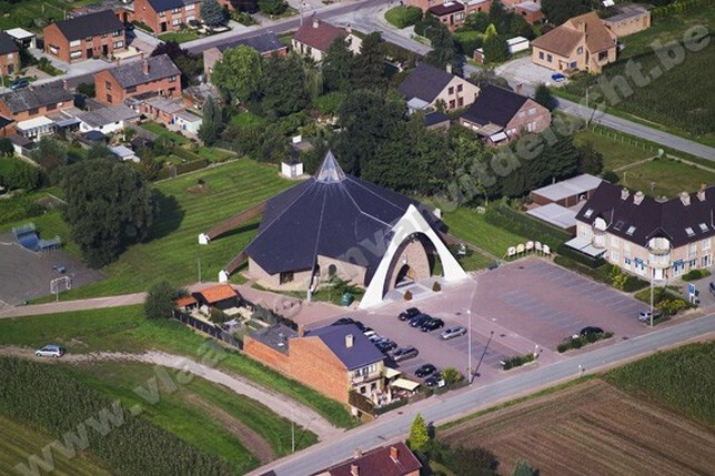 Église à Schoonbeek_1