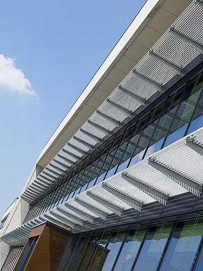 Kantoorgebouw en werkplaatsen bouwbedrijf  Ivens _1