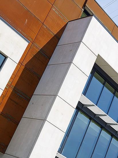 Kantoorgebouw en werkplaatsen bouwbedrijf  Ivens _2