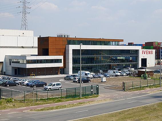 Kantoorgebouw en werkplaatsen bouwbedrijf  Ivens _4